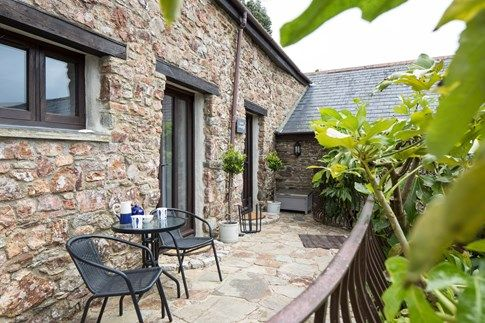 New to the portfolio, Laurel Cottage is a charming and stylish cottage for five nestled in a peaceful location in the beautiful South Hams. With idyllic unspoilt countryside all around, stunning coastline and beaches close by, as well as a friendly village pub within walking distance, there is plenty here for everyone. #Holiday #Cottage #Devon #Kingsbridge #Countryside #Coast #Beaches #Villages #Explore u.classic.uk/h2dX