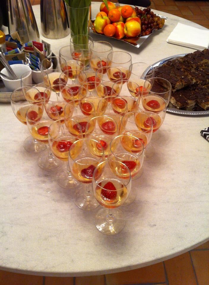 Dejligt Asti som hører sig til en tøsefest:-)