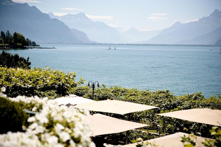 Breathtaking view on Lake Geneva and the Alps from Hôtel des Trois Couronnes