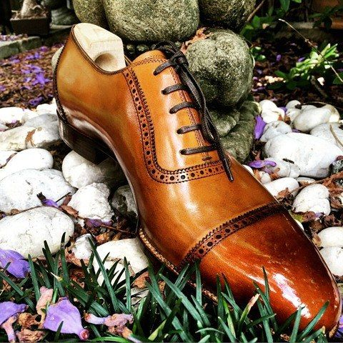 Mod. 574SP - Straight toe cap Oxford, great shot and Glacage as always by @blu_scuro #saintcrispins