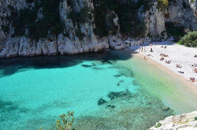 Nós sabíamos que no sul da França a Côte D´Azur (Costa Azul) ou Riviera Francesa poderia ter praias incrivelmente lindas, mas só depois de v...