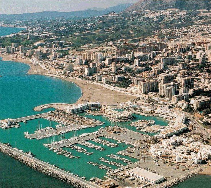Benalmádena....En el siglo XVII el municipio conoce su casi total destrucción por parte de un terremoto que derrumba casas y colinas; y un maremoto que inunda las playas y destruye las barcas pesqueras.