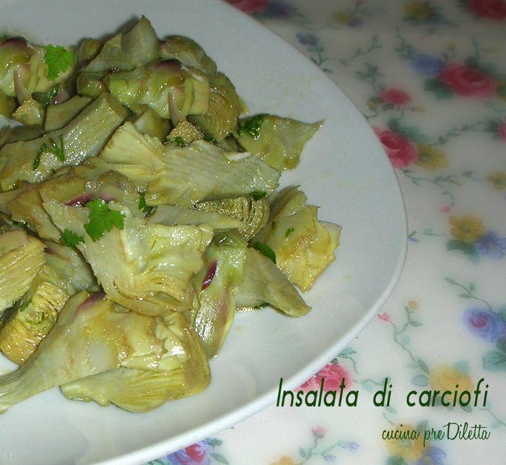 Oggi vi propongo l' insalata di carciofi, una ricetta semplicissima e facile. Per preparare l' insalata di carciofi vengono utilizzati i cuori dei carciofi.