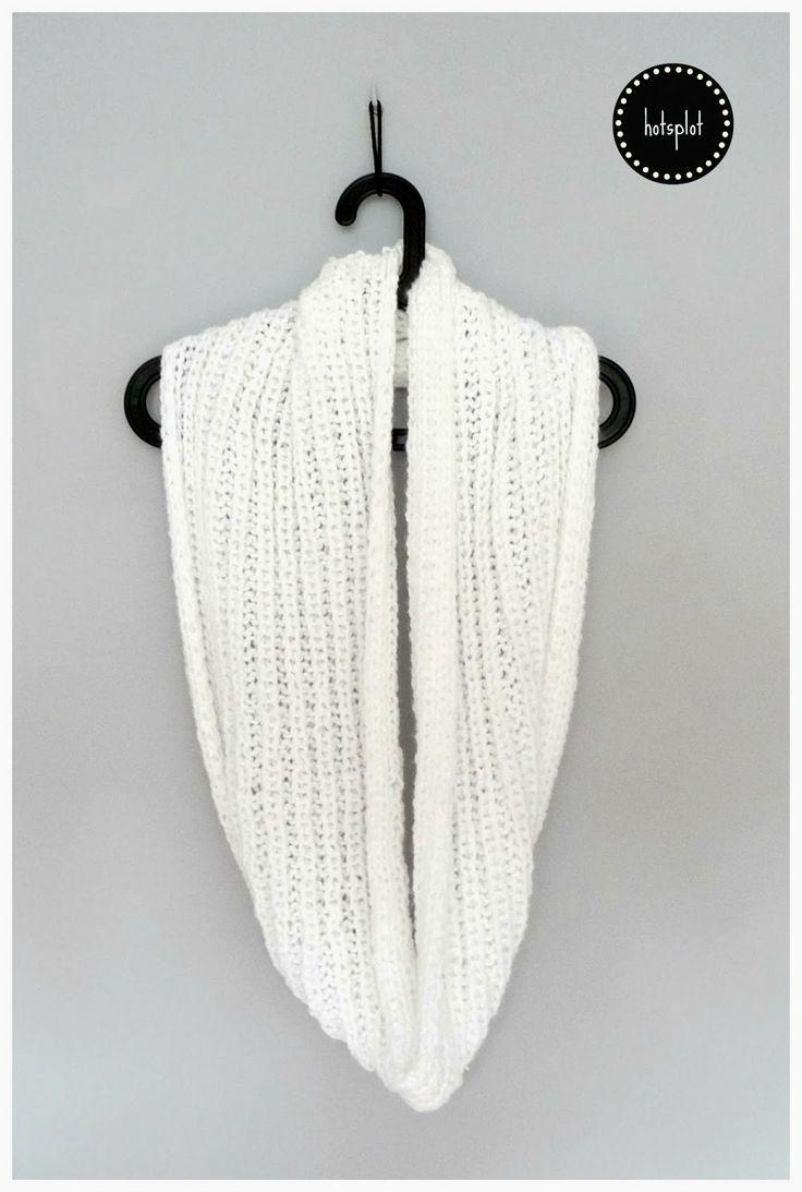 knitted white tube scarf komin Classic White