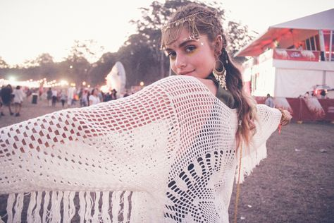 We're crushing hard on this festival look.