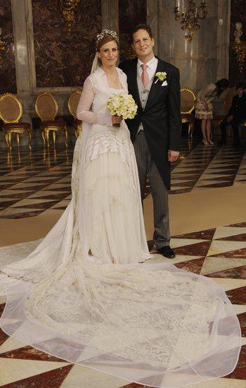 Prinz Georg Friedrich Ferdinand von Preussen und Prinzessin Sophie von Isenburg auf dem offiziellen Hochzeitsfoto