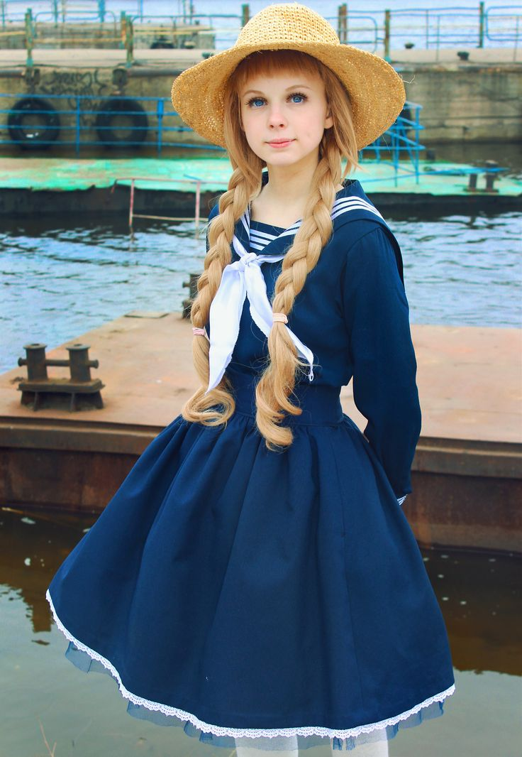 Sailor Lolita : http://lolita-fashion.tumblr.com-  love this photo, it just feels surreal. And the dress is so pressed and well put together, love!