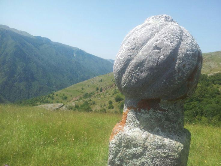 Een van de meest kenmerkende eigenschappen van Bosnië en Herzegovina is de diversiteit. Zowel in religie als in de natuur. De landschappen. Ik dacht dat het een aangedikt promopraatje