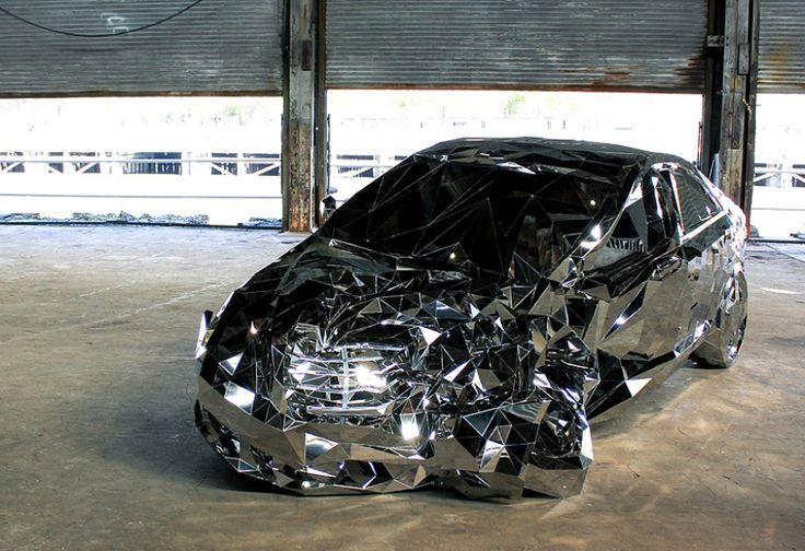 Berkilau! Mobil Mercedes Benz S550 Ini Dibuat dari Ribuan Cermin