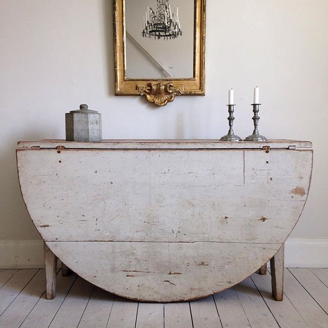 antique gustavian