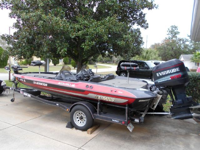 21 feet 1996 stratos 201 pro xl bass boat black red for. Black Bedroom Furniture Sets. Home Design Ideas