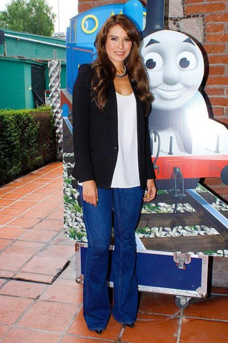 Galilea Montijo: kids' event