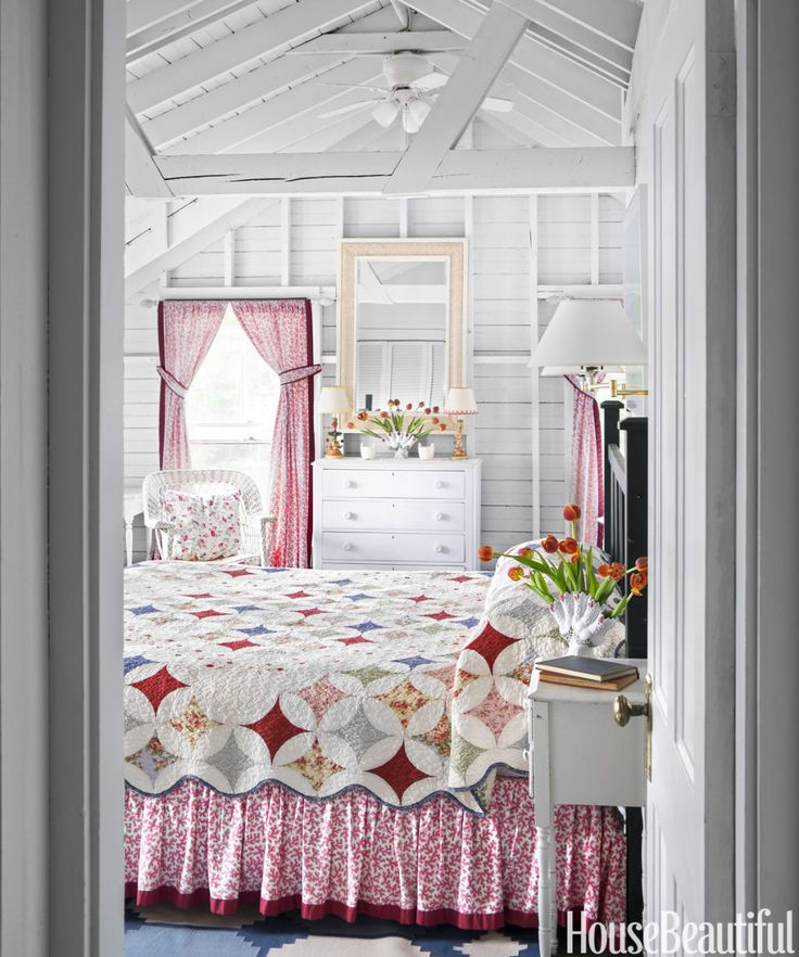 Inside A Century Old Maine Cottage Thatu0027s Full Of Classic Charm