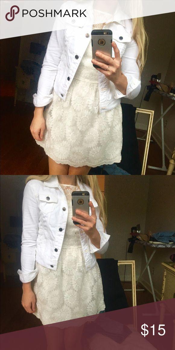 White jeans jacket Very good condition Jackets & Coats Jean Jackets
