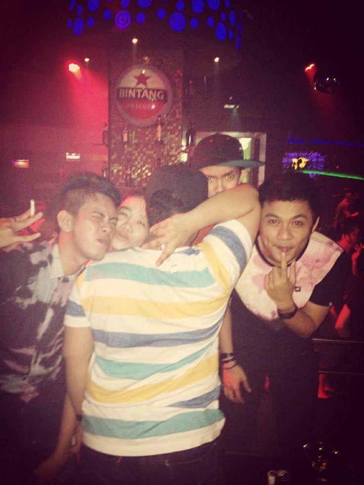 Lovin party loving life