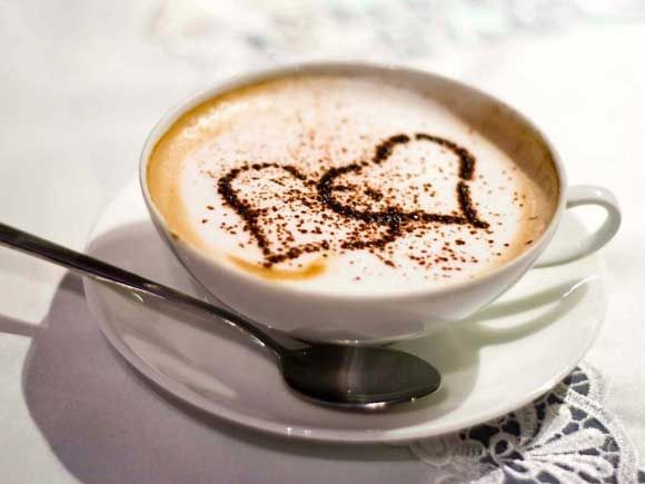 Кофе с имбирем бодрит и придает утру новые оттенки, а также помогает избавиться от лишнего веса.