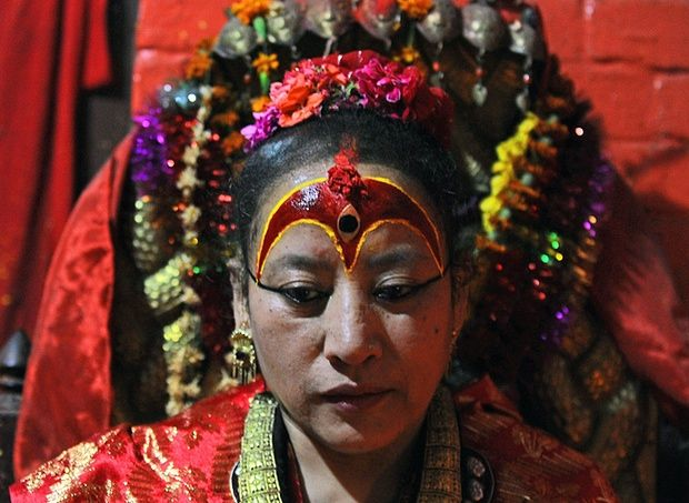 Nepal's earthquake forces 'living goddess' to break decades of seclusion