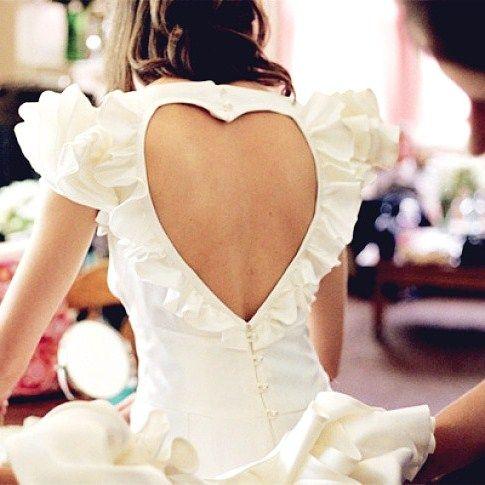 Кружевное платье с открытой спиной   Свадебные платья с открытой спиной