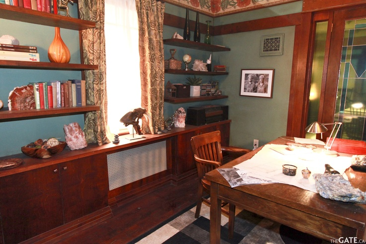 Rafe McCawley's Office/Study #Defiance set Tour courtesy of  W. Andrew Powell editor@thegate.ca http://www.thegate.ca/spotlight/012808/defiance-set-tour-exploring-the-new-world-with-the-cast-and-filmmakers/#
