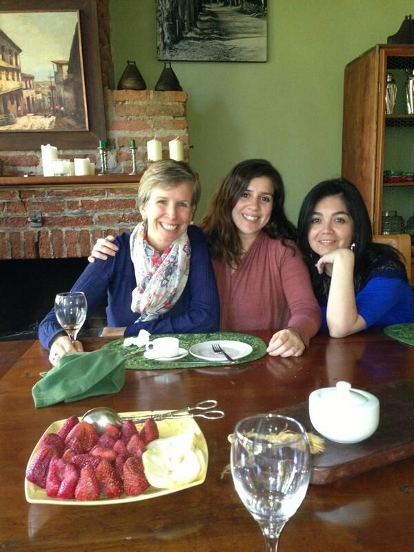 Courtney sits down for a meal with our winemakers, Alejandra and Evelyn, at the Casa Patronal.