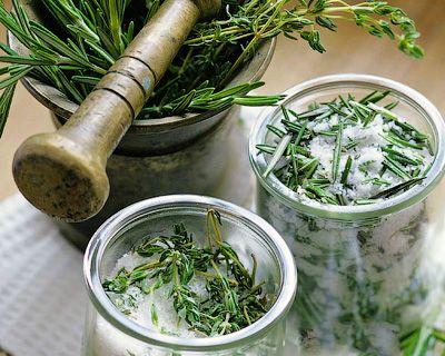 Домашние заготовки с цветами и пряными травами