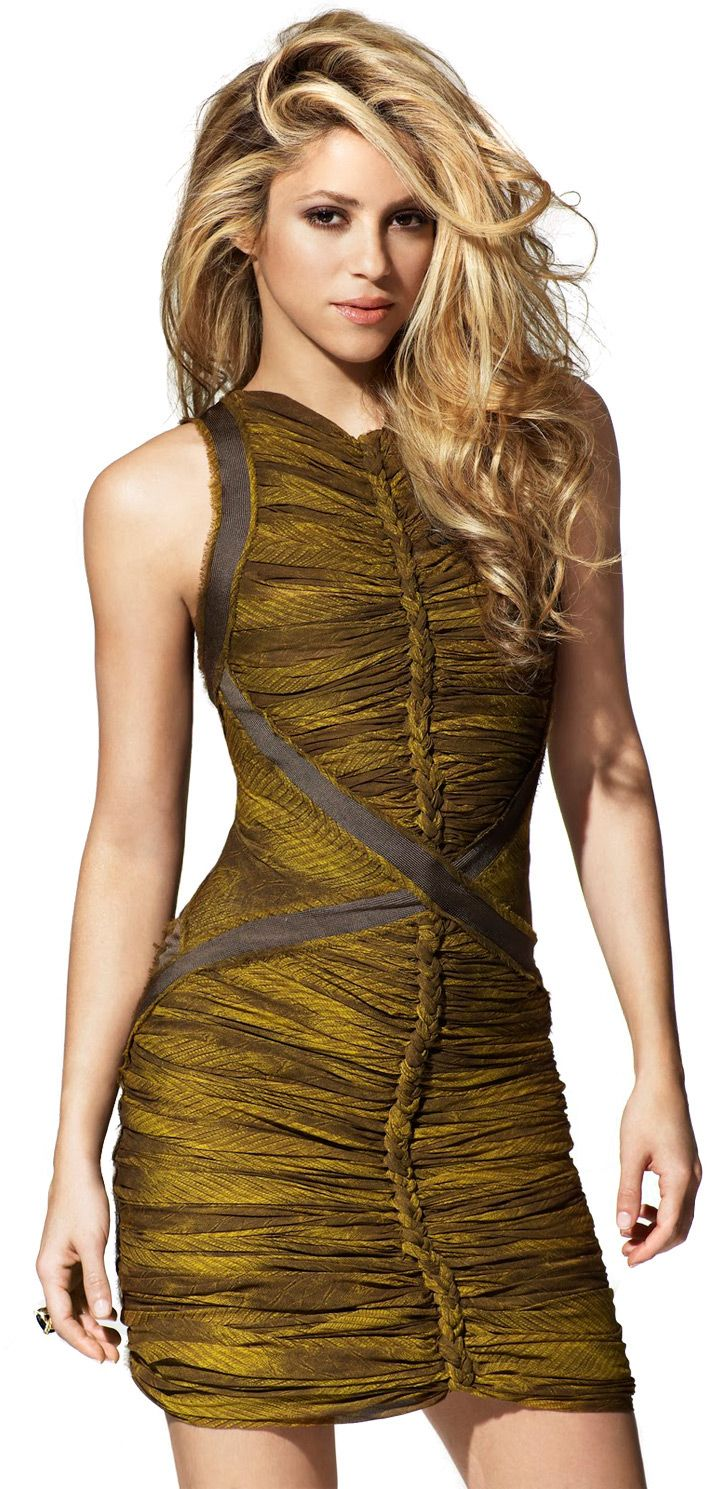 """Loving the ruched effect in this halter-necked dress. Perfect for Shakira's """"small and humble"""" breasts! ;-)"""