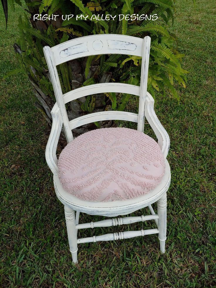 White Antique Chair Pink Upholstered Seat Shabby Chic Chair Annie Sloan Chalk Paint White Distressed Cha In 2020 Shabby Chic Chairs Distressed Chair Antique Chairs