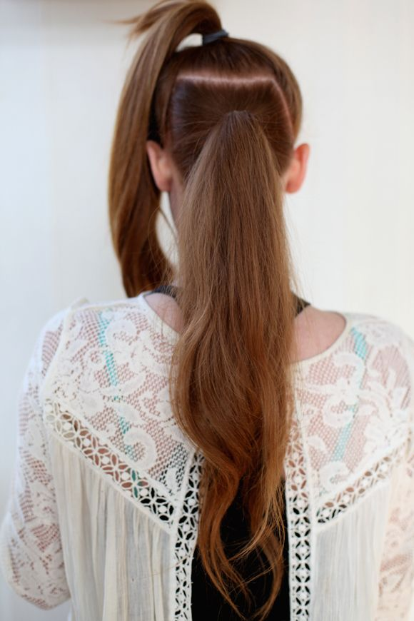 Beauty Inspiration – Ponytail Trick – Get a Longer, Fuller Ponytail | Free People Blog