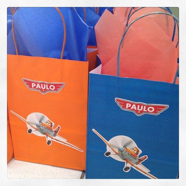 No sábado, nossas sacolinhas foram as lembrancinhas da festa do Paulo com o tema Aviões! #sacolinhasratchimbum #lembrancinhas #avioes #novidade #ratchimbum #loja #novaodessa