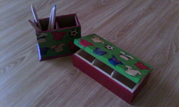Μολυβοθήκη και κουτί με θήκες