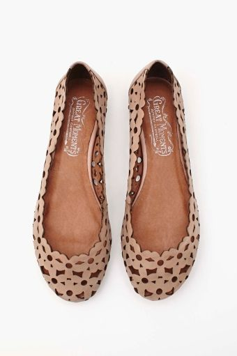 Daisy Mae Flat in Shoes Flats