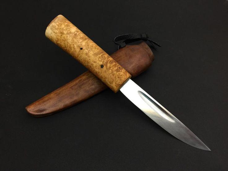 Петухов В.И. Сталь 65Г Длина клинка 13,5 см Рукоятка берёзовый кап Ножны бычий хвост