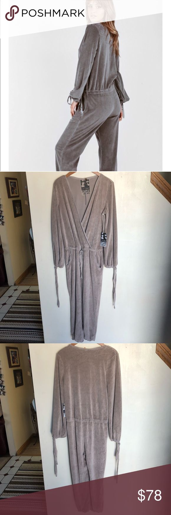 $70 BLOWOUT! Young Fabulous & Broke jumpsuit NWT Young, Fabulous & Broke fila long sleeve jumpsuit size Small. This beautiful piece is so comfortable for a casual night in. The color can best be described as in between a grey and tan color so I will just list both as the color. I'm selling this for the cheapest price on Poshmark! Feel free to make any reasonable offers using the Offer button and plz don't haggle in the comments section. No trades. Young Fabulous & Broke Pants Jumpsuits…