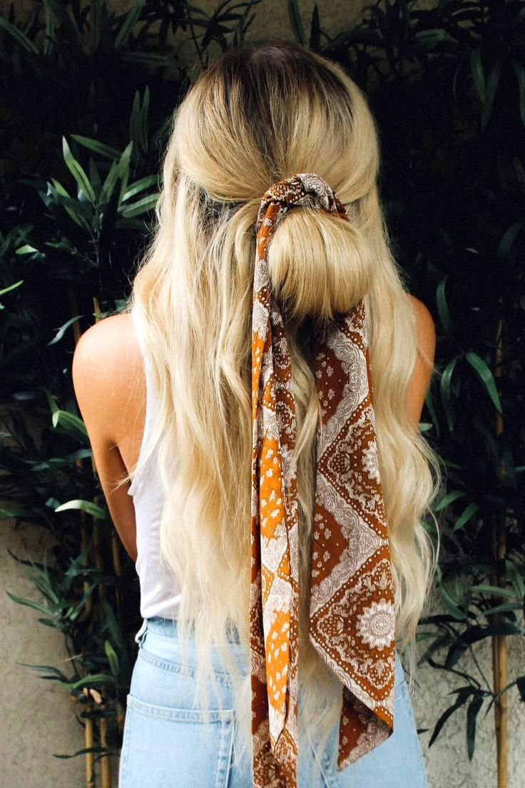 7 Methods to Model Your Hair with a Scarf or Bandana