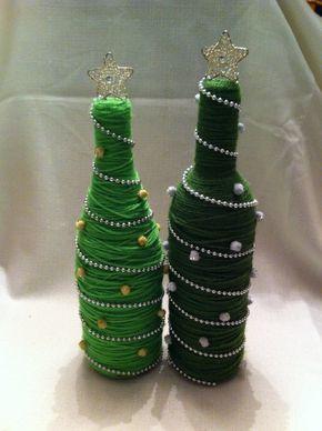 Yarn Covered Recycled Wine Bottle Christmas por JSStringDesigns