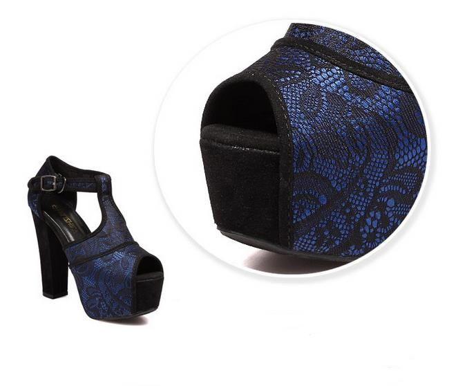Синие кружевные туфли