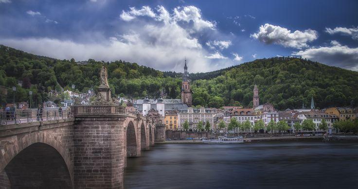 Heidelberg - Vista of Heidelberg with the Karl-Theodor Bridge in the foreground.