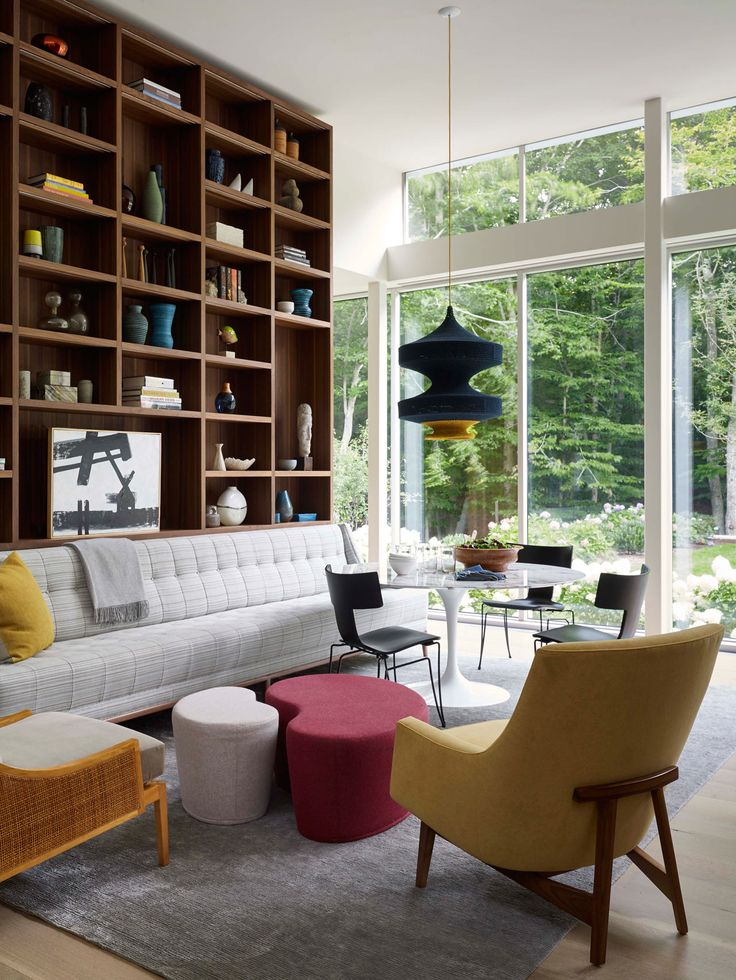 A Modern East Hampton Home Gets a Dramatic Renovation - Design Milk