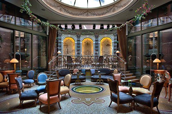 Неоромантический стиль отеля Château Monfort