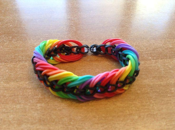 bracelet Rainbow loom triple link : magnifique ! Elastiques et fournitures : http://www.rentreediscount.com/Kit-de-fabrication-pour-bracelets-elastiques-3295164.html