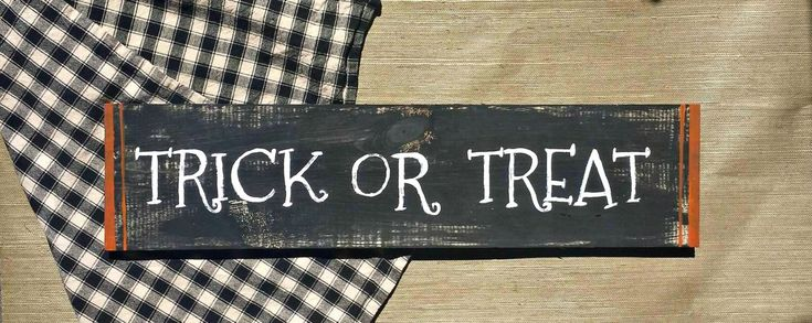 Trick or Treat Sign, Rustic Halloween Sign, Outdoor Halloween Decor, Indoor Halloween Primitive Decor, Halloween Decor, Rustic Wood Sign by RusticLuvDecor on Etsy https://www.etsy.com/listing/234274965/trick-or-treat-sign-rustic-halloween