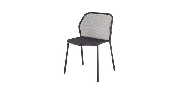 1290 kr  Darwin stol ingår i en utomhusserie från EMU. Möblerna är ritade av formgivarduon Paolo Lucidi och Luca Pevere. De är tillverkade i stål med UV-beständig lack vilket gör möbelserien mycket lämpad för utomhusbruk.