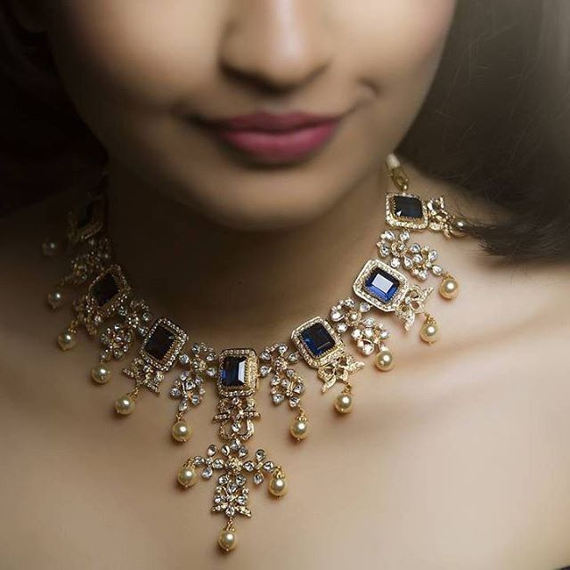 Wow beautiful Vintage Necklace in yellow gold 18k and elegant saffires diamonds and pearls. The desing is since 1895. Really impresive. SLVH ♥♥♥