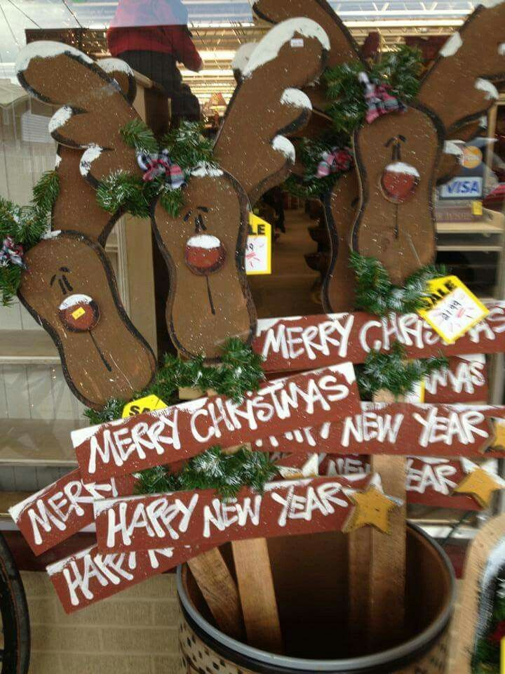 http://teds-woodworking.digimkts.com/ Beautiful and easy to make woodworking wine Reindeer wood craft. Merry Christmas craft.