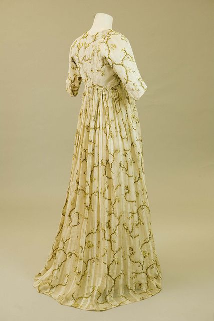 Regency fashion : back of dress store by Royal Pavilion & Brighton Museums, via Flickr