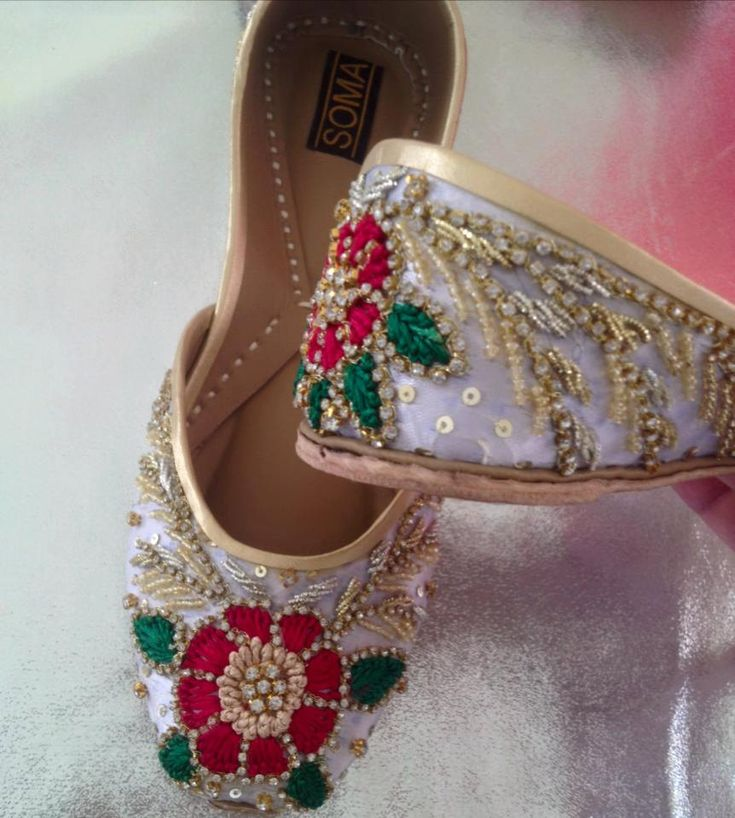 Floral beaded Indian Juttis