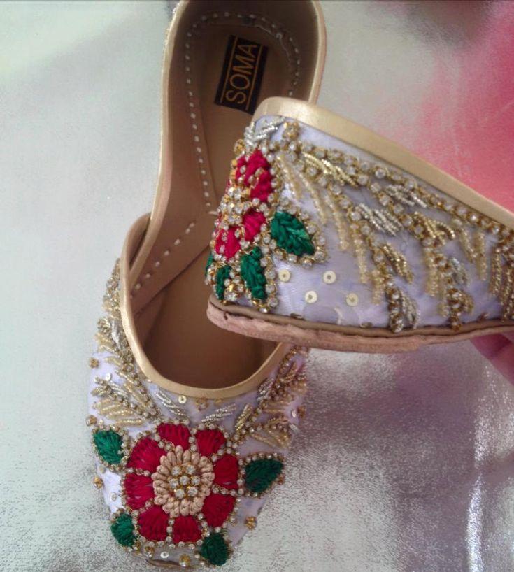 Floral beaded Indian Juttis