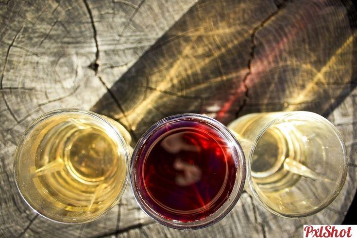 Caustic wine | Efecte vizuale caustice - PxlShot.ro
