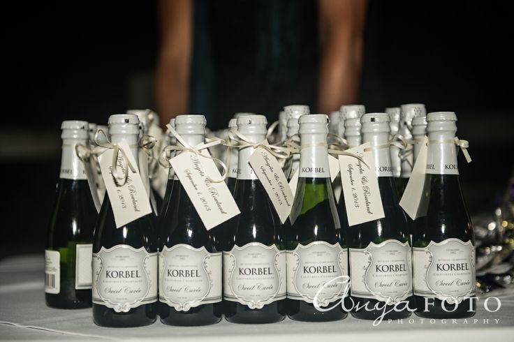 Wedding Favors anyafoto.com #wedding #weddingcakes, wedding favor ideas, wedding favor desings, champagne wedding favors
