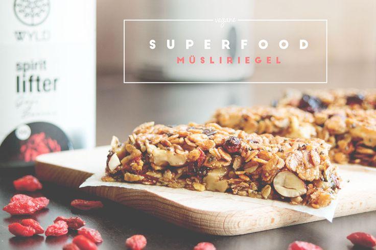 Superfood Müsliriegel selbst gemacht (mit Chia Samen, Goji Beeren &…
